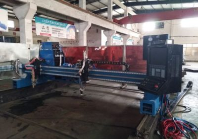 Profesional y fácil manejo Starfire 1500 * 3000 mm Placas de titanio CNC cortadora de plasma